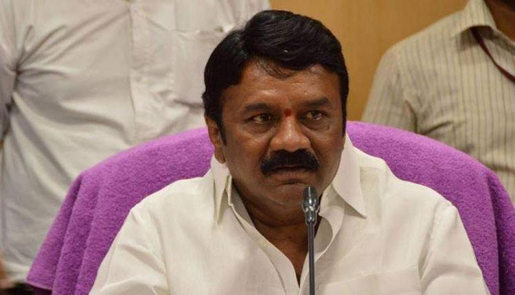 Shock To Minister Talasani Gutka Stamp On Veedani-TeluguStop.com