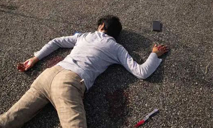Meerut Man Accused Out On Bail Kills Another Man Fake Own Death-జైలు నుండి బయటకొచ్చాడు చచ్చిపోయినట్లు నమ్మించి పరారైయ్యాడు-Latest News - Telugu-Telugu Tollywood Photo Image-TeluguStop.com