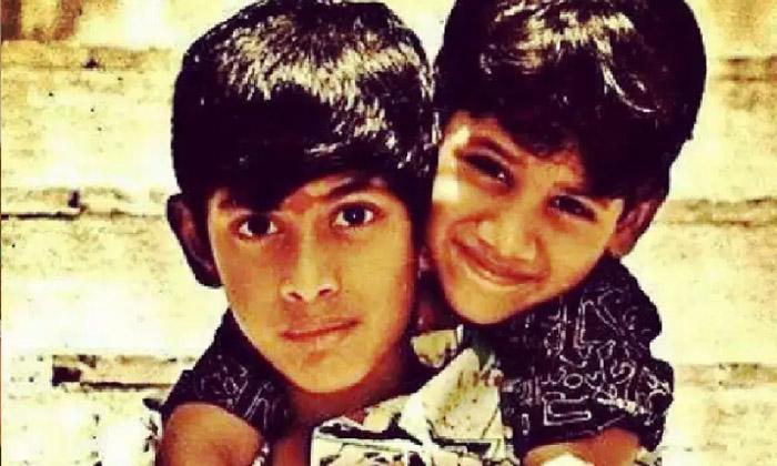Telugu Heros Rana Daggubati And Akkineni Naga Chaitanya Childhood Photos Viral In Social Media-ఈ చిన్నప్పటి ఫొటోలో కనిపిస్తున్న ఇద్దరు హీరోలెవరో చెప్పుకోండి చూద్దాం..-Latest News - Telugu-Telugu Tollywood Photo Image-TeluguStop.com