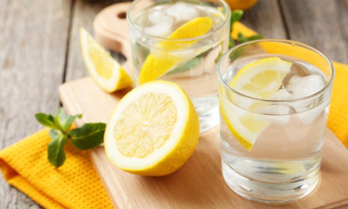 Health Benefits Of Lemon Water-ఉదయాన్నే నిమ్మరసం తాగితే బరువు తగ్గడమే కాదు.. ఈ బెనిఫిట్స్ కూడా-Latest News - Telugu-Telugu Tollywood Photo Image-TeluguStop.com