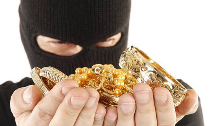 Telugu Aunt Go Outside For Marriage, Crime News, Daughter In Law Stolen Gold Ornaments In Hyderabad, Daughter In Law Theft News, Gold Ornaments Stolen News, Hyderabad-Telugu Crime News(క్రైమ్ వార్తలు)