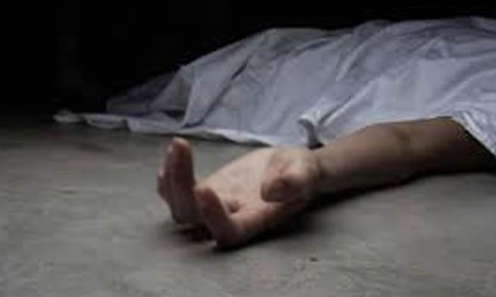 Men Brutally Killed Her Sister For No Chatting With Boys-అబ్బాయిలతో చాటింగ్ చేయొద్దని ఎంత చెప్పినా చెల్లెలు వినకపోవడంతో అన్న ఏకంగా…-Latest News - Telugu-Telugu Tollywood Photo Image-TeluguStop.com