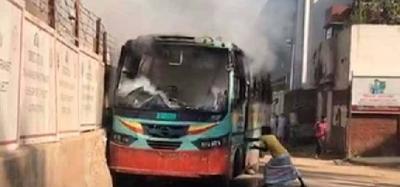 BNP Workers Set 7 Public Buses On Fire In Dhaka-International NRI-English-Telugu Tollywood Photo Image-TeluguStop.com