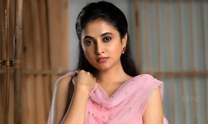 'gangleader' Beauty Roped In For Ravi Teja's 'khiladi'-TeluguStop.com