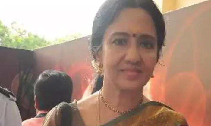 Reason Behind Actress Nirmala Unmarried-నటి నిర్మల పెళ్లి చేసుకోకపోవడానికి కారణం ఆ హీరో చేసిన మోసమే అని మీకు తెలుసా..-Latest News - Telugu-Telugu Tollywood Photo Image-TeluguStop.com
