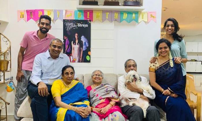 Telugu Mango Media, Ram Veerapaneni Properties, Singer Sunitha, Singer Sunitha Husband Ram Veerapaneni Properties And Assetes, Singer Sunitha Marriage, Singer Sunitha Real Life, Sunitha Husband, Youtube-Movie