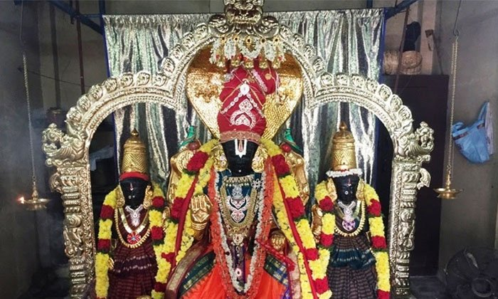 Where Is The 800 Year Old Vasu Temple Located-TeluguStop.com