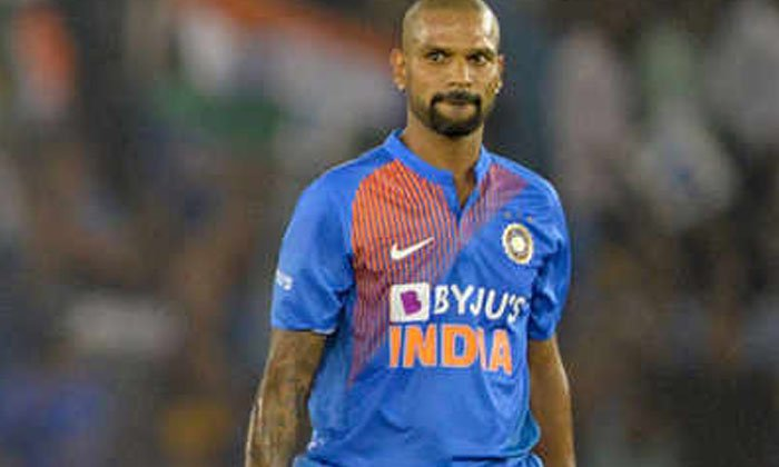 Cricketer Shikhar Dhawan Is A Strong Boat Driver For What He Did What Did He Do-TeluguStop.com