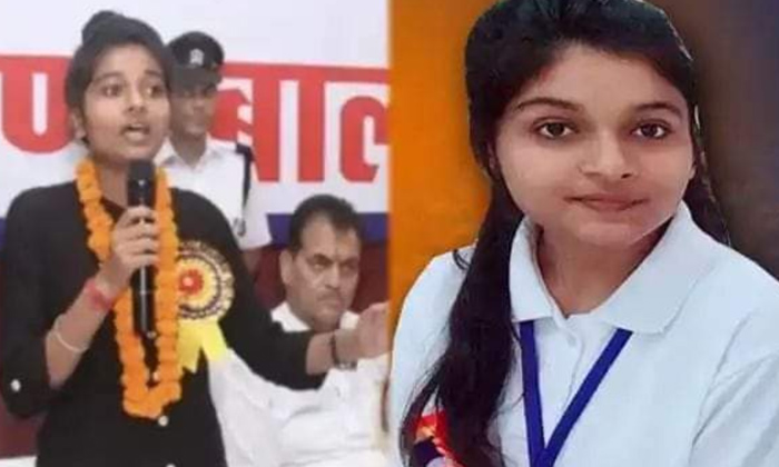 Viral Degree Student One Day Cm Uttarakhand-వైరల్: ఒక్కరోజు ముఖ్యమంత్రిగా డిగ్రీ విద్యార్ధి… ఎక్కడంటే-General-Telugu-Telugu Tollywood Photo Image-TeluguStop.com