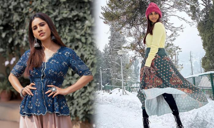 South Indian Actress Nabha Natesh Cute Candid Poses-telugu Actress Hot Photos South Indian Actress Nabha Natesh Cute Can High Resolution Photo