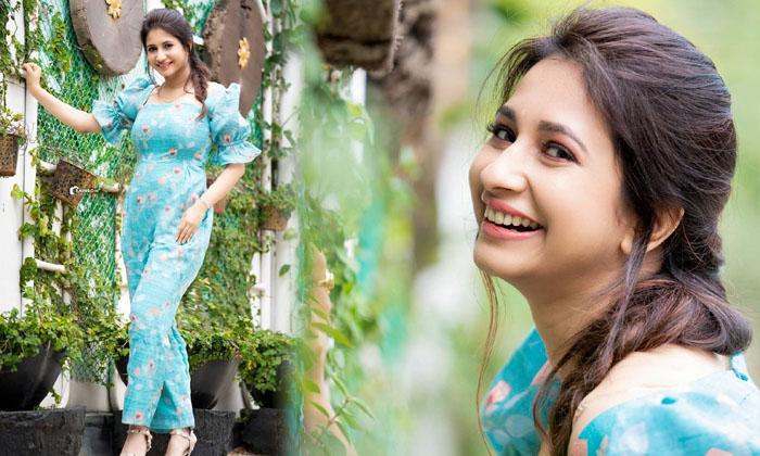 Tollywood Actress Manvita Kamath Romantic Stills-telugu Actress Hot Photos Tollywood Actress Manvita Kamath Romantic Sti High Resolution Photo