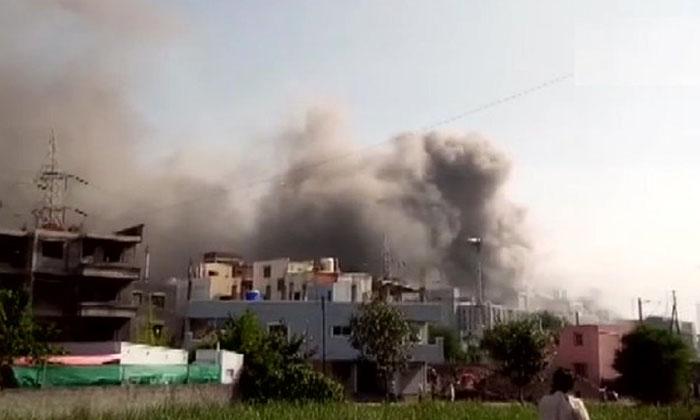 Breaking Massive Fire In India Corona Vaccine Company-బ్రేకింగ్: ఇండియా కరోనా వ్యాక్సిన్ కంపెనీ లో భారీ అగ్నిప్రమాదం..-Political-Telugu Tollywood Photo Image-TeluguStop.com