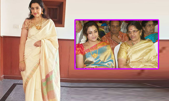 Telugu Actress Meena, Heroine Meena, Meena, Meena Mother, Telugu Heroine Meena, Tollywood Heroine Meena-Telugu Stop Exclusive Top Stories