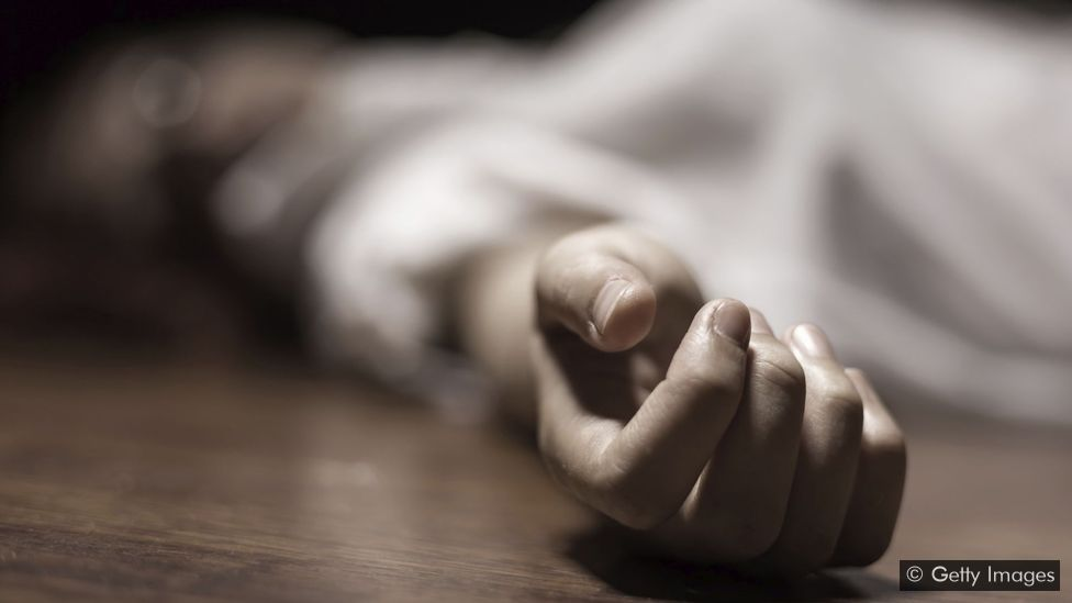 TeluguStop.com - Man Stays With Woman Dead Body For Three Days