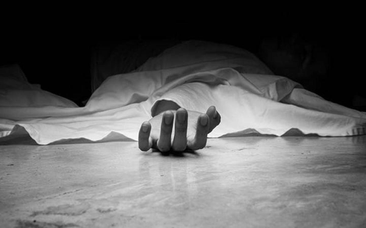 Miyapur Girl Commits Suicide-TeluguStop.com