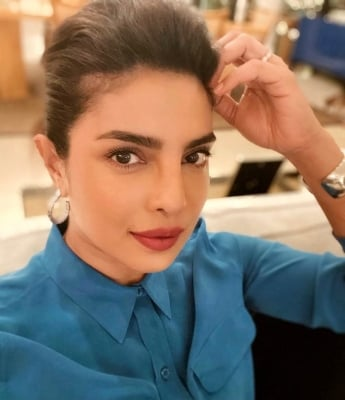 Priyanka Chopra: Nobody Made Opportunities For Me In The West-Bollywood News-Telugu Tollywood Photo Image-TeluguStop.com