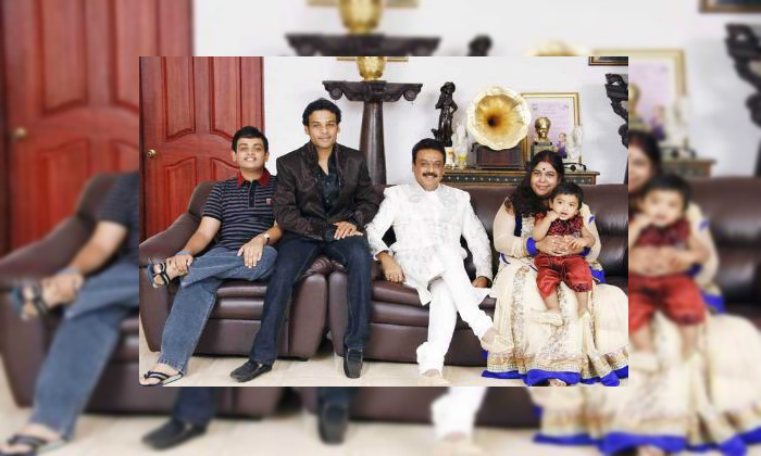 Telugu 3 Lakh Rupees, Huge Remuneration, Oneday Remuneration, Senior Naresh-Movie