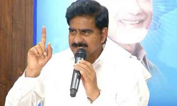 Tdp Leader Devineni Uma Comments On Ycp Leaders-వైసీపీ నేతలపై దేవినేని ఉమ ఘాటు వ్యాఖ్యలు.. -Breaking/Featured News Slide-Telugu Tollywood Photo Image-TeluguStop.com