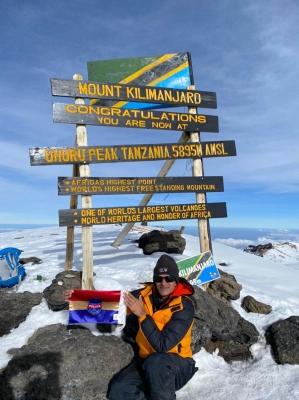 TeluguStop.com - Telangana IPS Officer Scales Mt. Kilimanjaro-Latest News English-Telugu Tollywood Photo Image