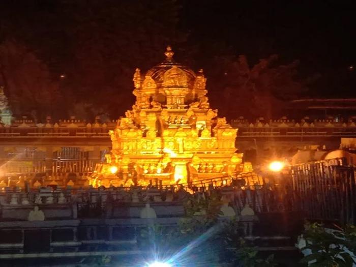 Telugu Do Not Fall Asleep, Temples, ఒట్టి చేతులతో వెళ్లకూడదు, ప్రదక్షిణలు-Telugu Bhakthi