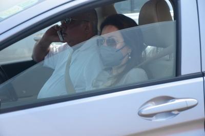 TeluguStop.com - Varun Dhawan And Natasha Dalal Head To Alibag For Wedding: Reports-Bollywood News-Telugu Tollywood Photo Image