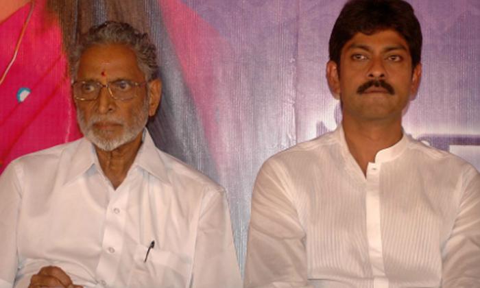 Hero Jagapathi Babu Father Is A Director-జగపతి బాబు తండ్రి పెద్ద దర్శకుడని మీకు తెలుసా-General-Telugu-Telugu Tollywood Photo Image-TeluguStop.com