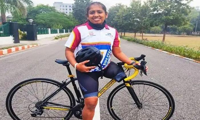 TeluguStop.com - వైరల్: ఒంటి కాలుతో 43 రోజులలో 3800 కి.మి…-General-Telugu-Telugu Tollywood Photo Image