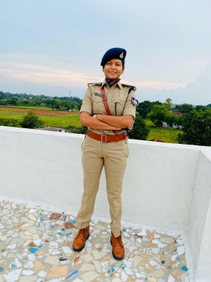 Woman DSP A Role Model For Youngsters From Muslim Families-Latest News English-Telugu Tollywood Photo Image-TeluguStop.com