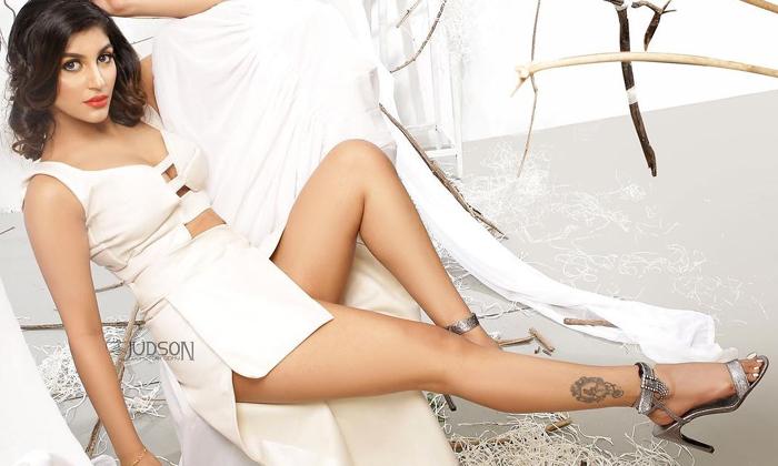 Actress Yashika Aannand Hot Viral Images-telugu Actress Hot Photos Actress Yashika Aannand Hot Viral Images - Telugu Fam High Resolution Photo