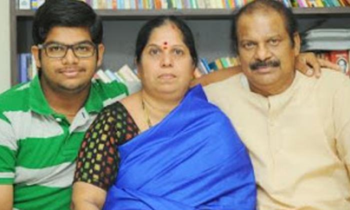 Dharmavarapu Subramanyam Son Raviteja Open Up About Tollywood-TeluguStop.com