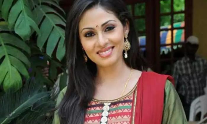 Heroine Sadaa Controversy With Tollywood Top Producer-తనను తానే కిడ్నాప్ చేసుకొని 6 నెలలు దాక్కొన్న టాలీవుడ్ హీరోయిన్ సదా..-Latest News - Telugu-Telugu Tollywood Photo Image-TeluguStop.com