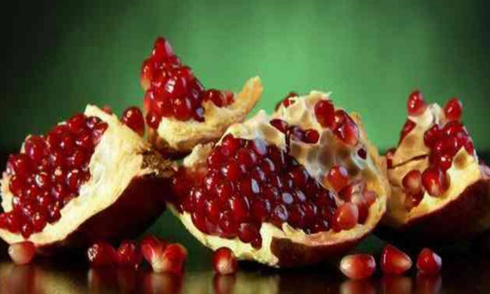 Pomegranate Peels To Prevent Piles-పైల్స్ను నివారించే దానిమ్మ తొక్కలు.. ఎలా వాడాలంటే-Latest News - Telugu-Telugu Tollywood Photo Image-TeluguStop.com