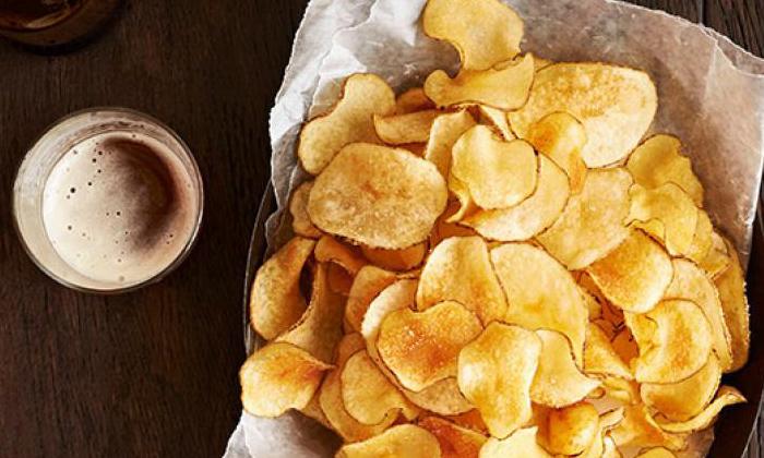 Telugu Aloo Chips, Eating Of Potato Chips, Effects Of Potato Chips, Good Health, Health, Health Tips, Latest News, Potato Chips-Telugu Health - తెలుగు హెల్త్ టిప్స్ ,చిట్కాలు