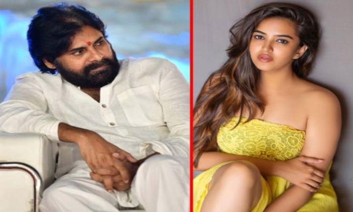 Telugu Beauty Poojitha Chance To Act In Pawan Kalyan Movie-పవన్ కళ్యాణ్ సినిమాలో కీలక పాత్రలో నటించబోతున్న తెలుగు పిల్ల పూజిత-Latest News - Telugu-Telugu Tollywood Photo Image-TeluguStop.com