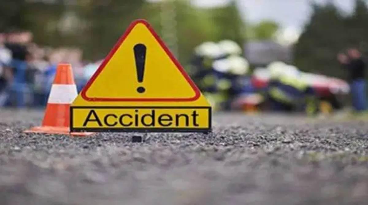 Terrible Road Accident Auto Under The-ఘోర రోడ్డు ప్రమాదం.. బస్సు కిందికి ఆటో.. ఎక్కడంటే.. -Breaking/Featured News Slide-Telugu Tollywood Photo Image-TeluguStop.com