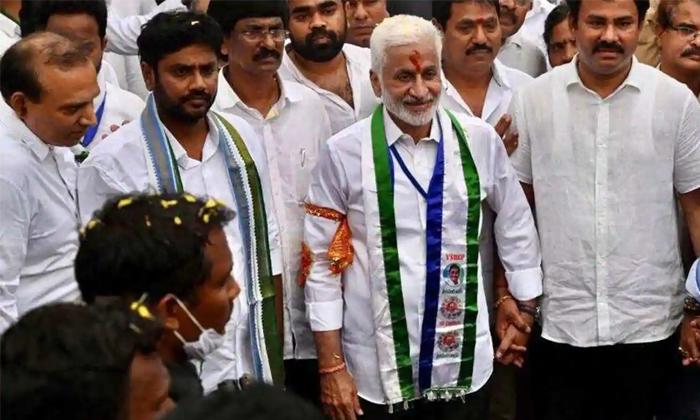 TeluguStop.com - సాయిరెడ్డి పాదయాత్రకు దెబ్బ కొట్టిందెవరు… మైలేజ్ మైనస్సే అయ్యిందా -Political-Telugu Tollywood Photo Image