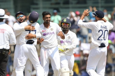 Ashwin Gets His Line Right To Get To Complete 400 Test Wickets-TeluguStop.com