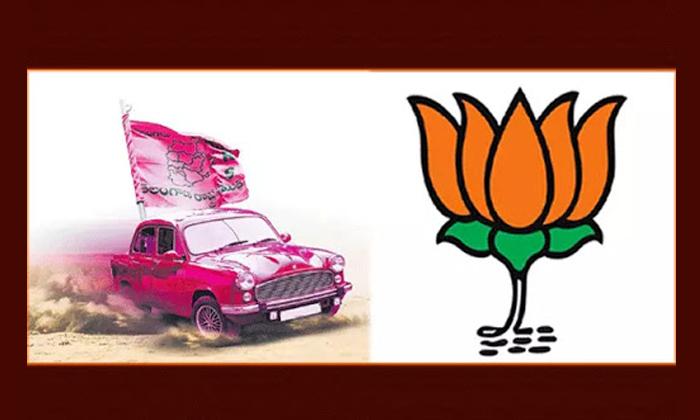 Sensational Comments By Bandi Sanjay On Kcr And Ktr-ఏక్ నంబర్, దస్ నంబర్ అంటూ టీఆర్ఎస్ ముఖ్యనేతలపై బండి సంజయ్ సంచలన వ్యాఖ్యలు.. -Breaking/Featured News Slide-Telugu Tollywood Photo Image-TeluguStop.com