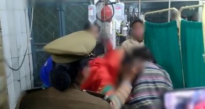 College Student Found Half-burnt Near Highway In Up-TeluguStop.com