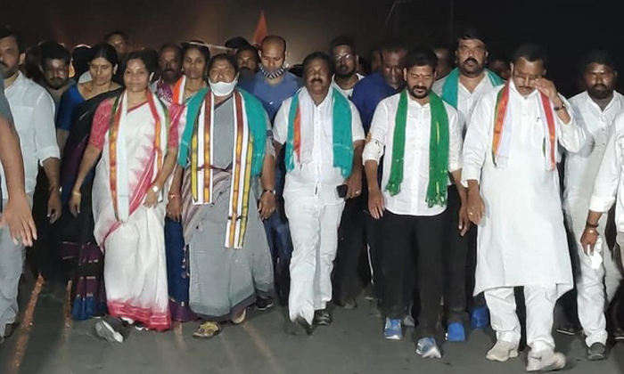 Congress Central Leaders Hopes On Revanth Reddy-TeluguStop.com