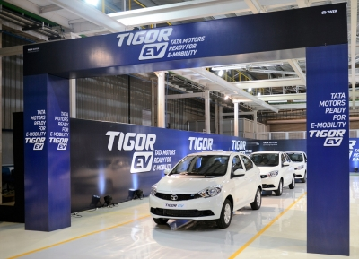 Delhi Govt To Switch Its Fleet Of Cars To Evs In 6 Months-TeluguStop.com