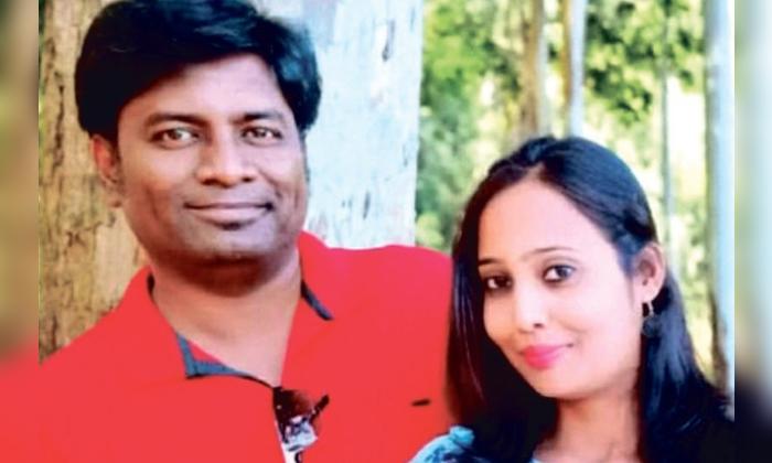 The Doctor Gokul Kumar Killed His Wife Keerthana-వైద్యుడి ఘాతుకం.. కట్టుకున్న భార్యను కిరాతకంగా.. -Breaking/Featured News Slide-Telugu Tollywood Photo Image-TeluguStop.com