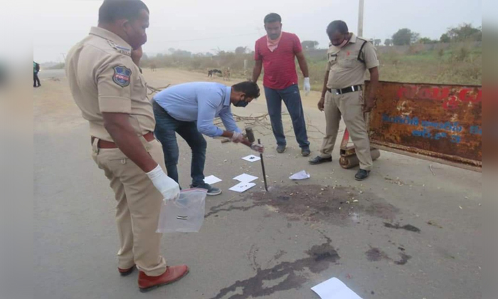 Fir Registered Against Three Persons In Vamana Rao Couple In Murder-TeluguStop.com