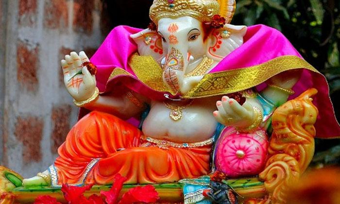 Did You Know About Adhisaya Vinayaka Temple Fact-TeluguStop.com
