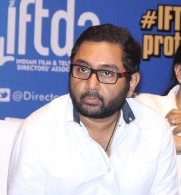 Jogira Sara Ra Ra! A Special Film For Nawazuddin, Kushan Nandy Post Lockdown-TeluguStop.com