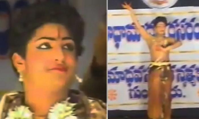 Young Tiger Jr Ntr Old Classical Dance Video Goes Viral In Social Media-జూనియర్ ఎన్టీఆర్ చిన్నప్పటి క్లాసికల్ డ్యాన్స్ వీడియో.. మీరు చూశారా-Latest News - Telugu-Telugu Tollywood Photo Image-TeluguStop.com