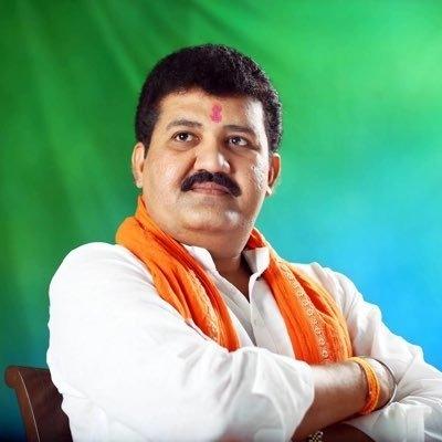 Maha Minister Quits Over Tiktok Star's Death-TeluguStop.com