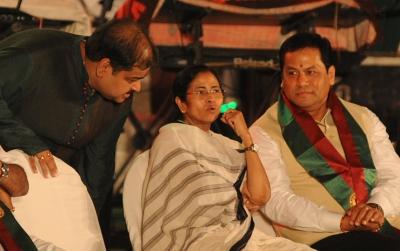 Mamata, Sonowal, Pinarayi Still Favoured As Cm (ld)-TeluguStop.com