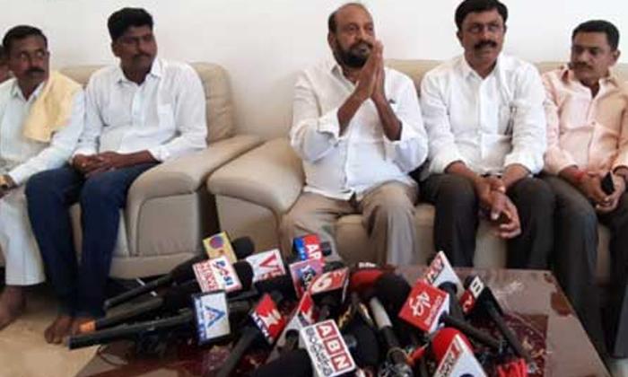TeluguStop.com - వాలంటీర్ వ్యవస్థ తీసేయండి అంటూ టీడీపీ నేత సంచలన కామెంట్స్..-Political-Telugu Tollywood Photo Image