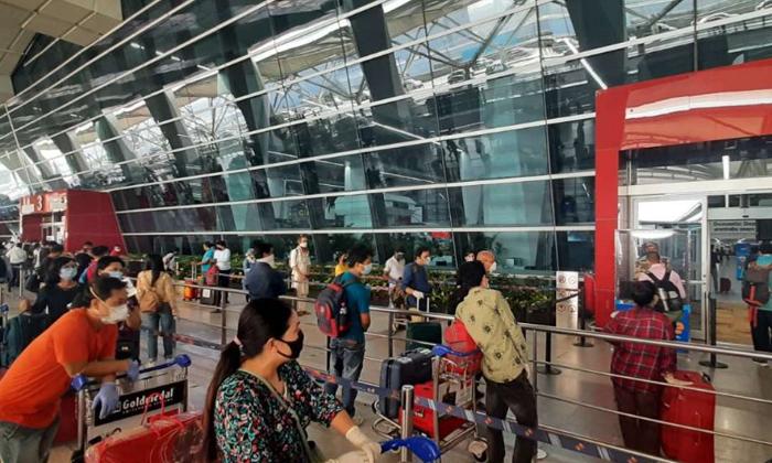 New Guidelines For Nris Coming To India-భారత్ వచ్చే ఎన్నారైలకు కొత్త మార్గదర్శకాలు…-Latest News - Telugu-Telugu Tollywood Photo Image-TeluguStop.com